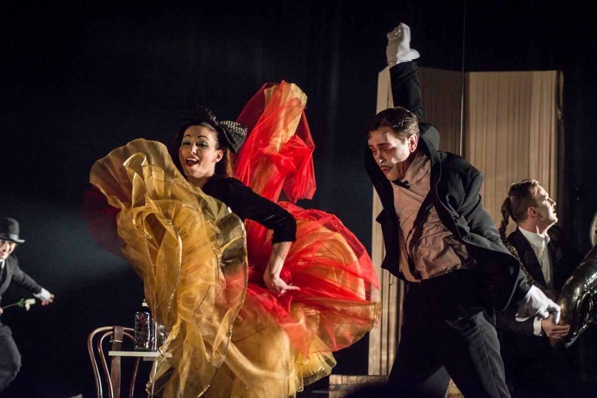 Спектакль «Барабаны в ночи» в Театре имени А. С. Пушкина фото 5