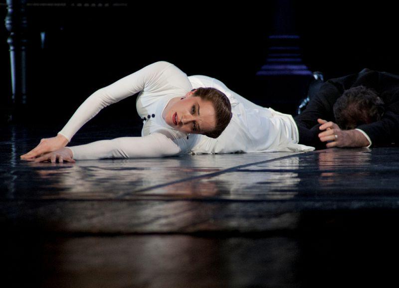 Спектакль «Анна Каренина» в Театре им. Вахтангова фото 4