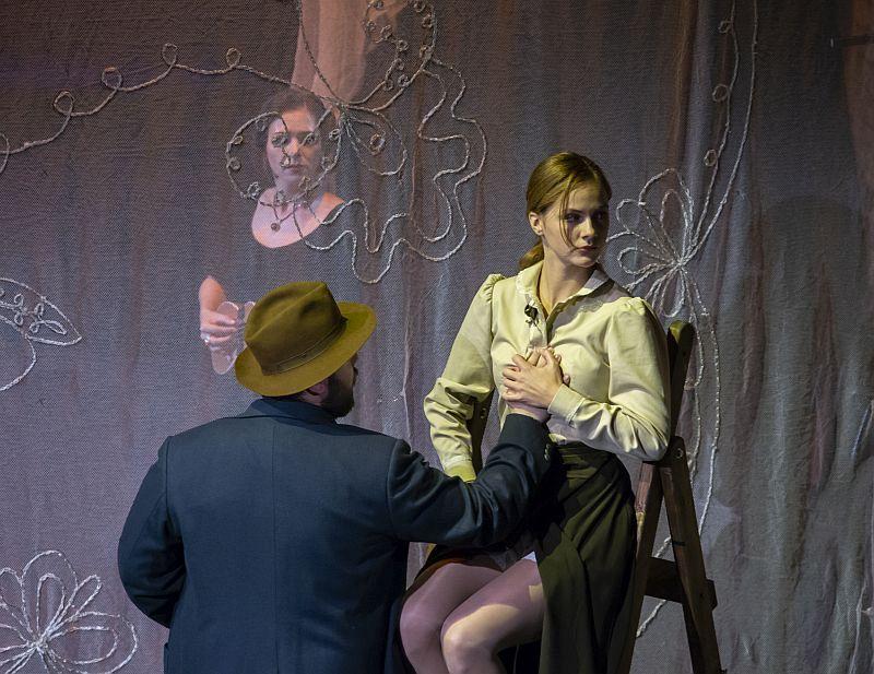 Спектакль «Фрида. Жизнь в цвете» в Театре имени Евг. Вахтангова фото 9
