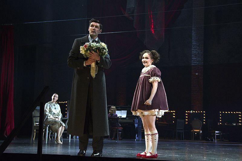 Спектакль «Мнимый больной» в Театре им. Вахтангова фото 8
