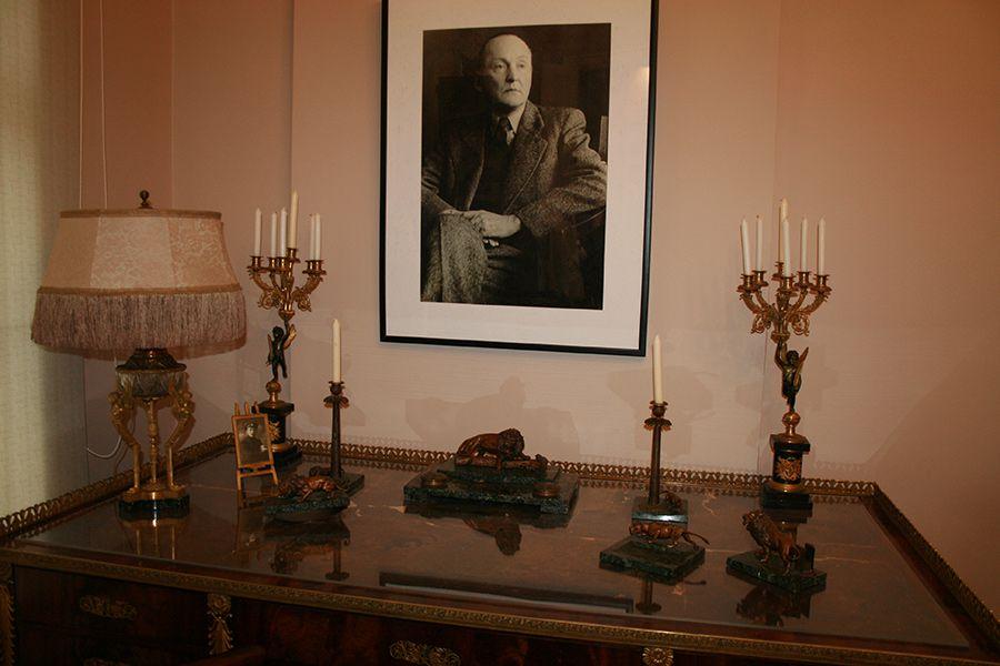 Коллекция мемориальных предметов русских литераторов в Литературном музее фото 1