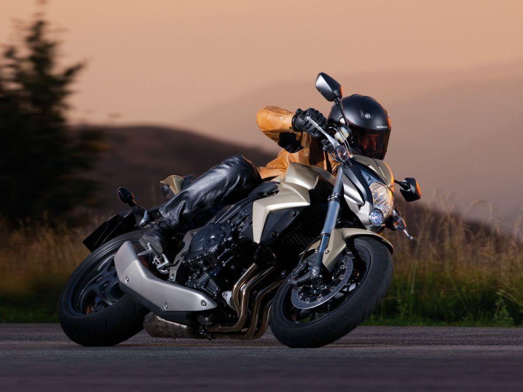 Обучение вождению мотоцикла в Государственной автошколе при Академии президента Российской Федерации со скидкой до 96% фото 1