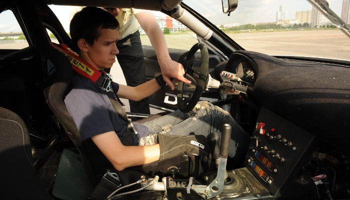 Экстремальное вождение на спорткаре Nissan фото 2
