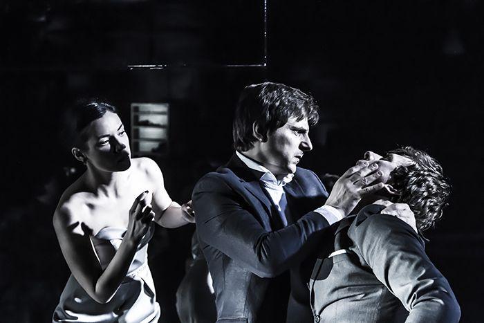 Спектакль «Озеро» в «Гоголь-центре» фото 1