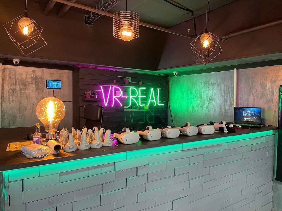 Акция «Скидка 10% всем студентам и школьникам» от арены виртуальной реальности VR-Real фото 3
