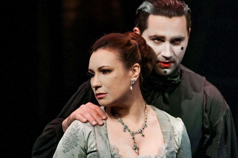 Спектакль «Любовь у трона» в Театре им. Вахтангова фото 4