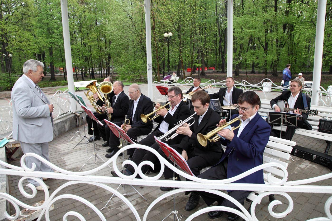 Живая музыка в Измайловском парке фото 2