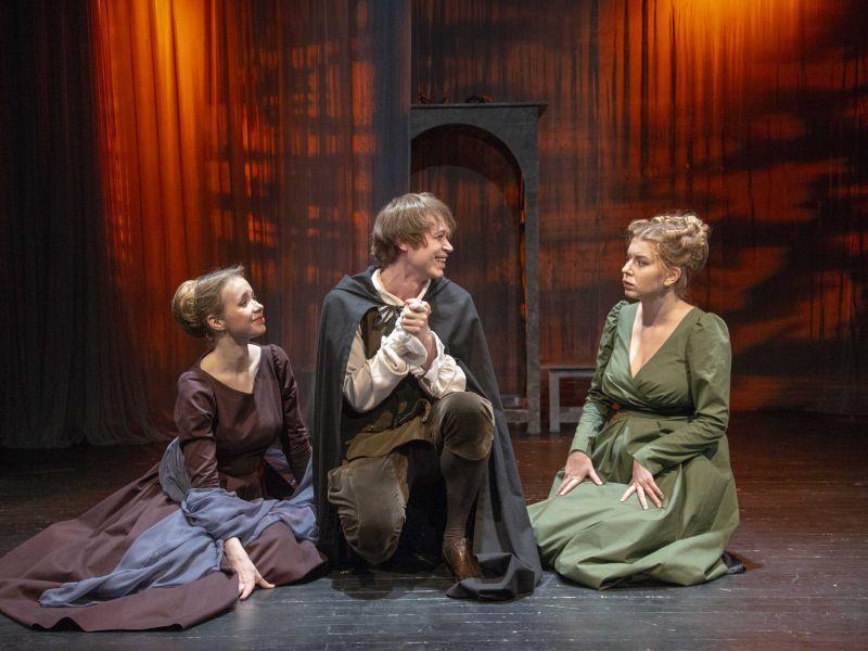 Спектакль «Комедия о вдове» в Театре имени Евг. Вахтангова фото 6