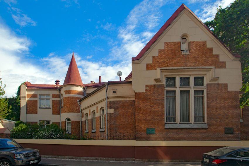 Пешеходная экскурсия «Посольства Москвы: загадки и тайны старинных особняков» фото 1