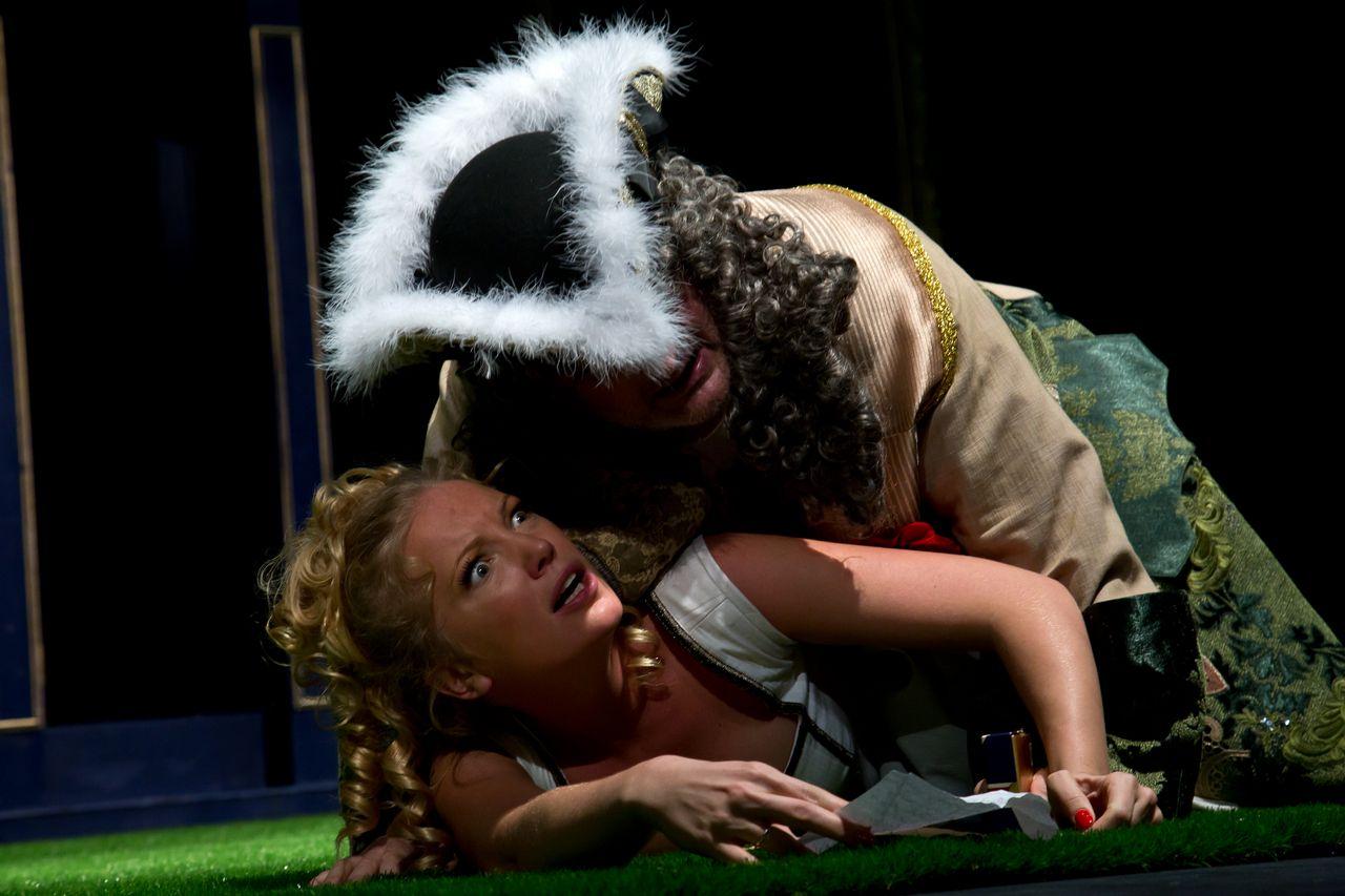 Спектакль «Стакан воды» в постановке Театра «Эрмитаж» фото 8