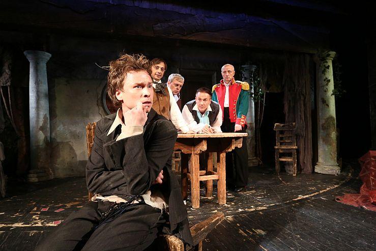 Спектакль «Игроки» в Театре им. Ермоловой фото 1