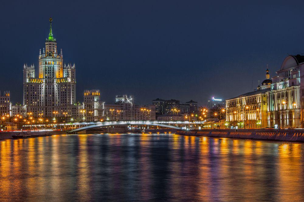 Автобусная экскурсия «Огни ночной Москвы» фото 3