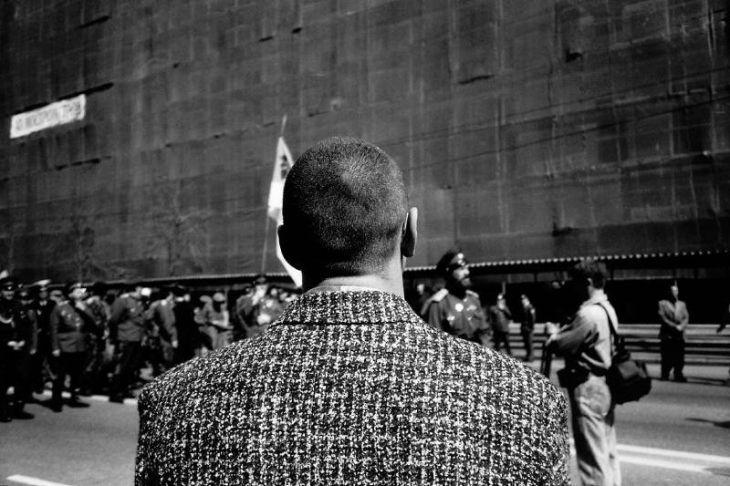 Онлайн-экскурсия Игоря Мухина по выставке «Наши 1990-е. Время перемен» фото 3