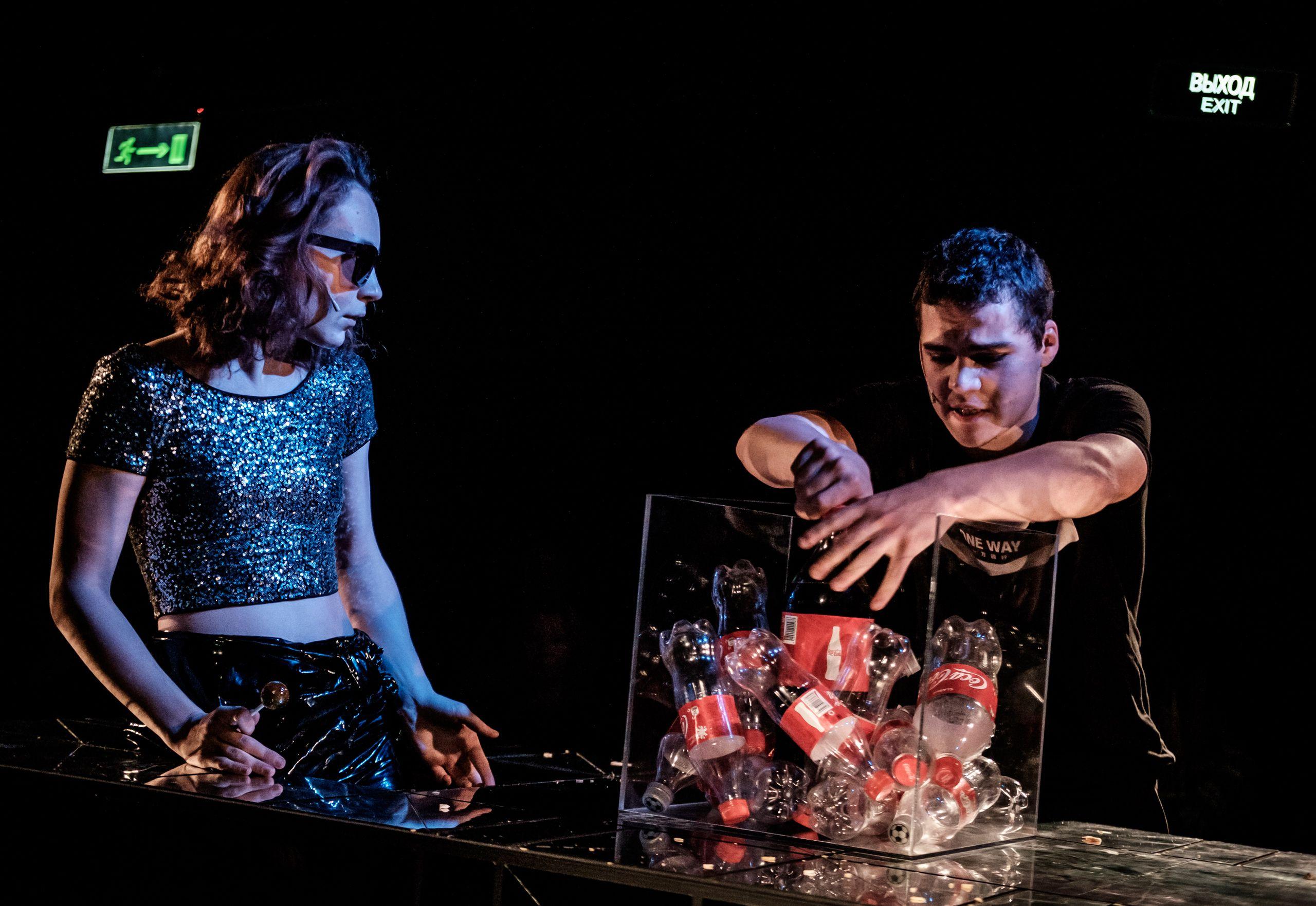 Спектакль «Смерть и чипсы» в театре «Практика» фото 1