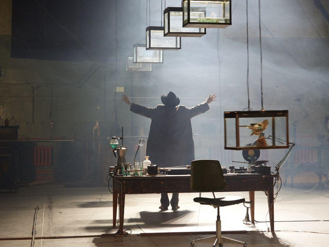 Спектакль «Макс Блэк, или 62 способа подпереть голову рукой» в Электротеатре «Станиславский» фото 1