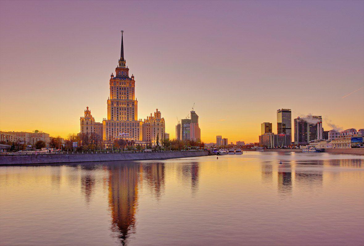Экскурсия «Легенды сталинских высоток» от туристической компании Delta со скидкой до 39% фото 1