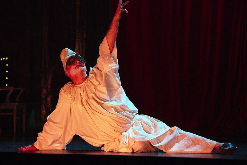 Спектакль «Мнимый больной» в Театре им. Вахтангова фото 5