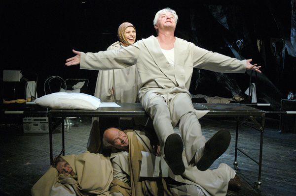 Онлайн-показ спектакля Mutter Новосибирского театра «Глобус» фото 1
