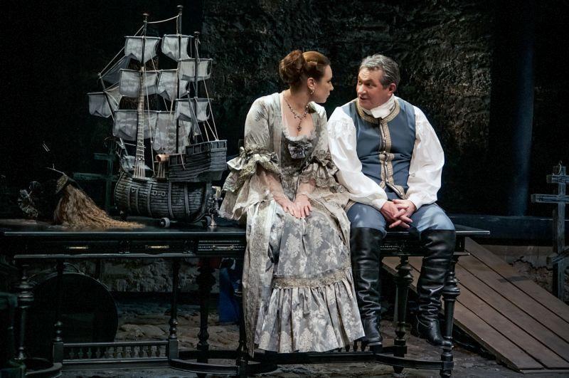 Спектакль «Любовь у трона» в Театре им. Вахтангова фото 5