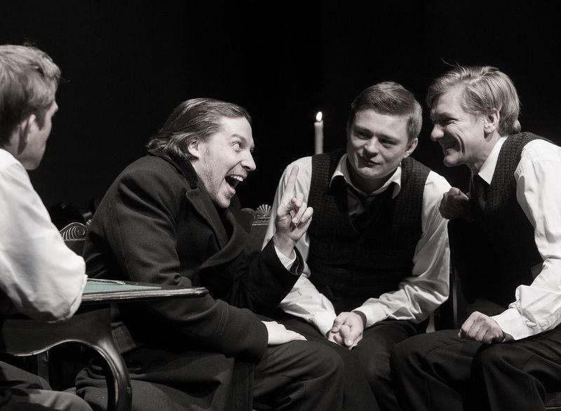 Спектакль «Игроки» по пьесе Н. В. Гоголя в Студии театрального искусства фото 1