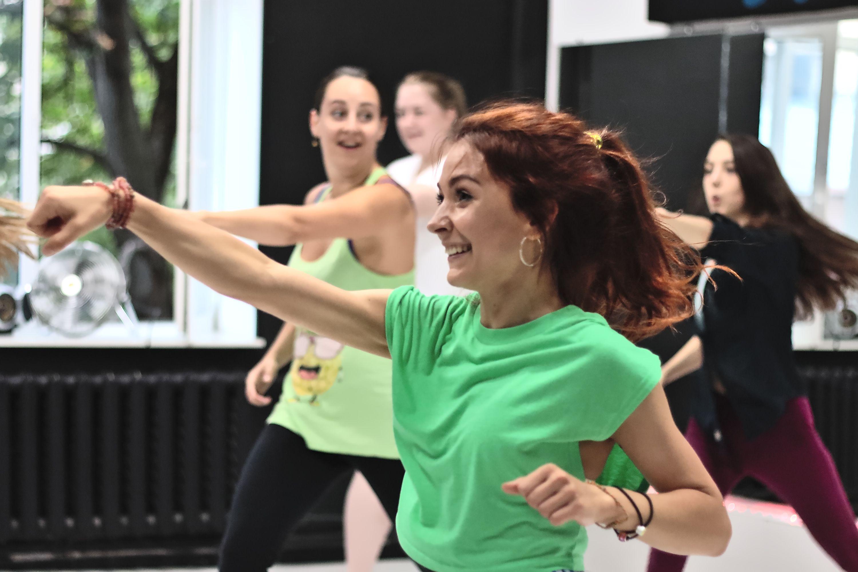 Тренировки по зумбе в студии танца Alpha Dance фото 3