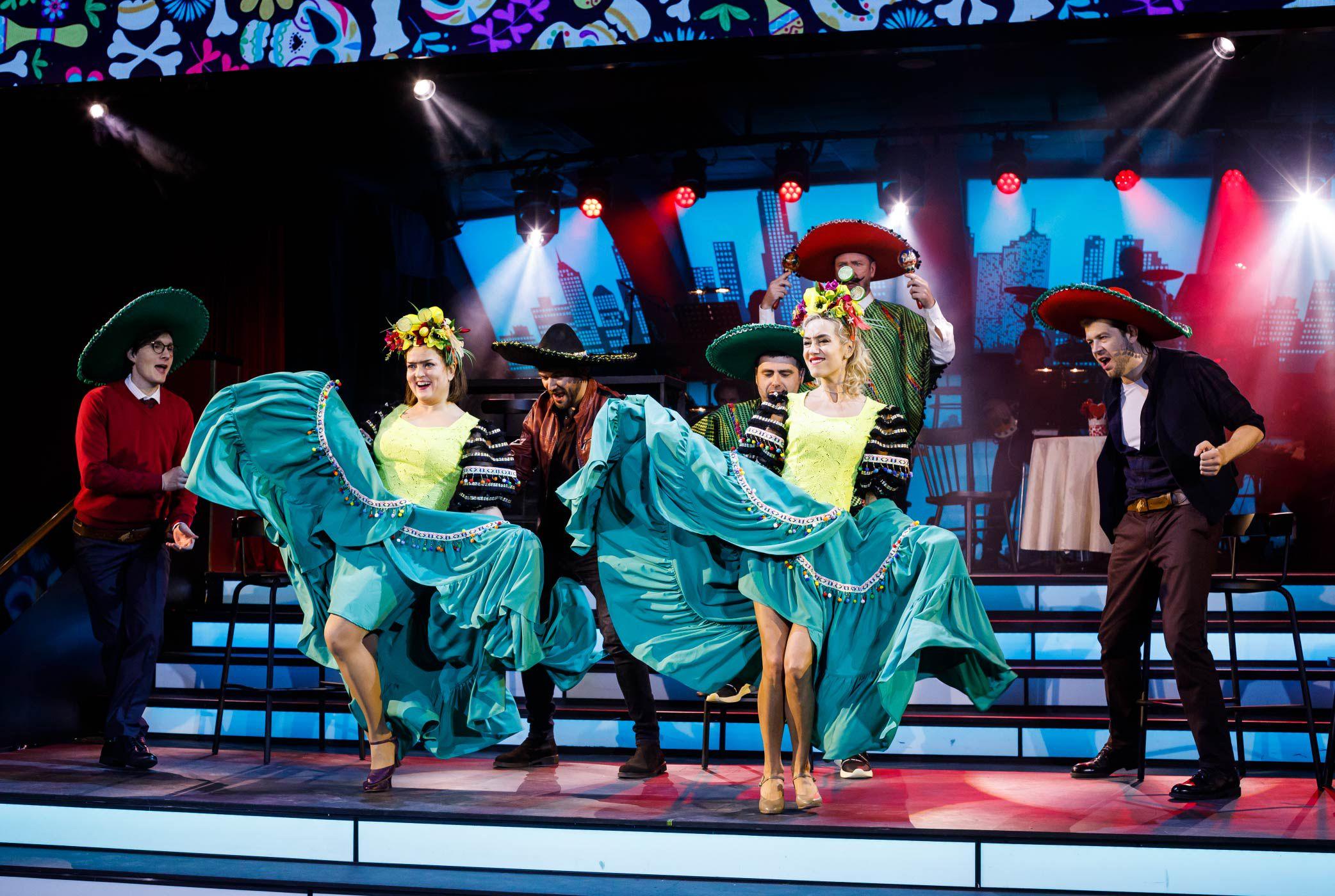 Мюзикл за столиками «День влюблённых» в Театре МДМ фото 2