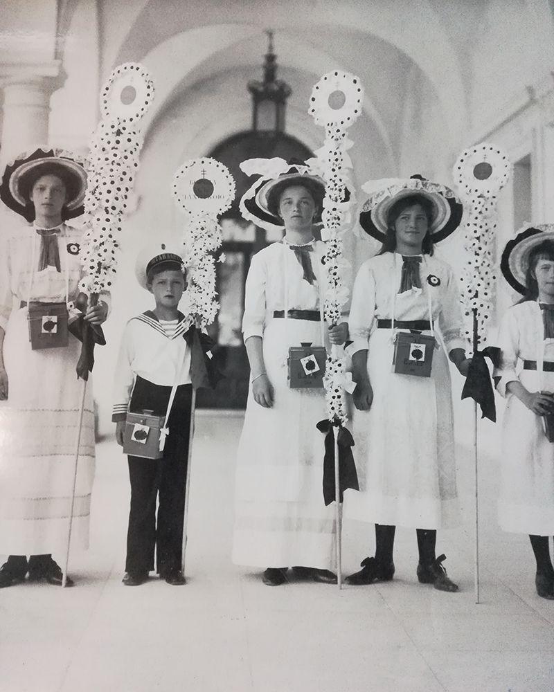 Выставка «Частная жизнь семьи императора Николая II. Фотографии из личных альбомов»