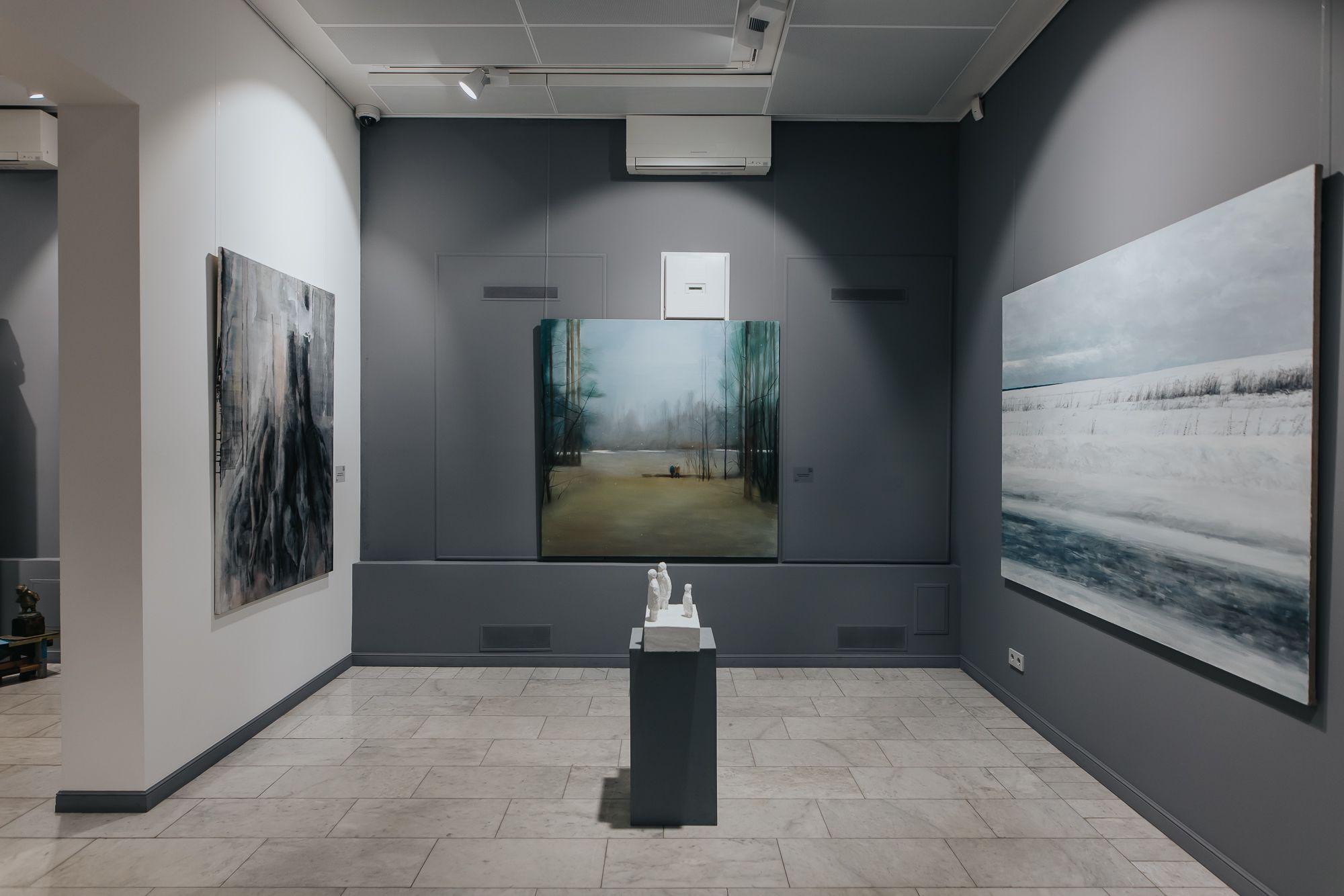 Выставка-продажа «Что происходит на свете? А просто зима» фото 1