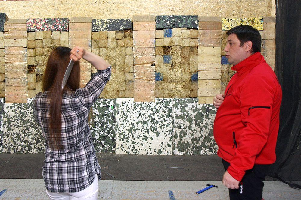 Занятия по метанию ножей в клубе «Лабиринт» фото 2