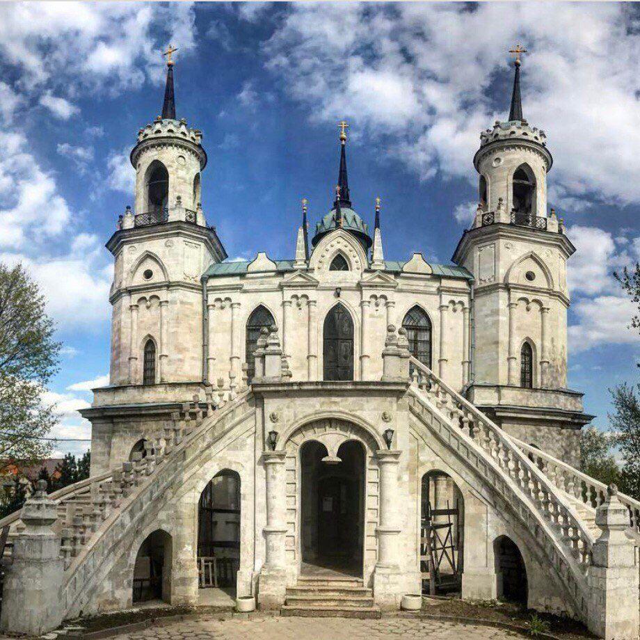 Автобусная экскурсия «Баженов. Усадьба Быково: дворец, готическая церковь и английский парк» фото 4