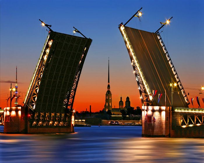 Զբոսաշրջություն. Բաժանվող կամուրջները կդառնան Սանկտ Պետերբուրգի նոր բրենդը