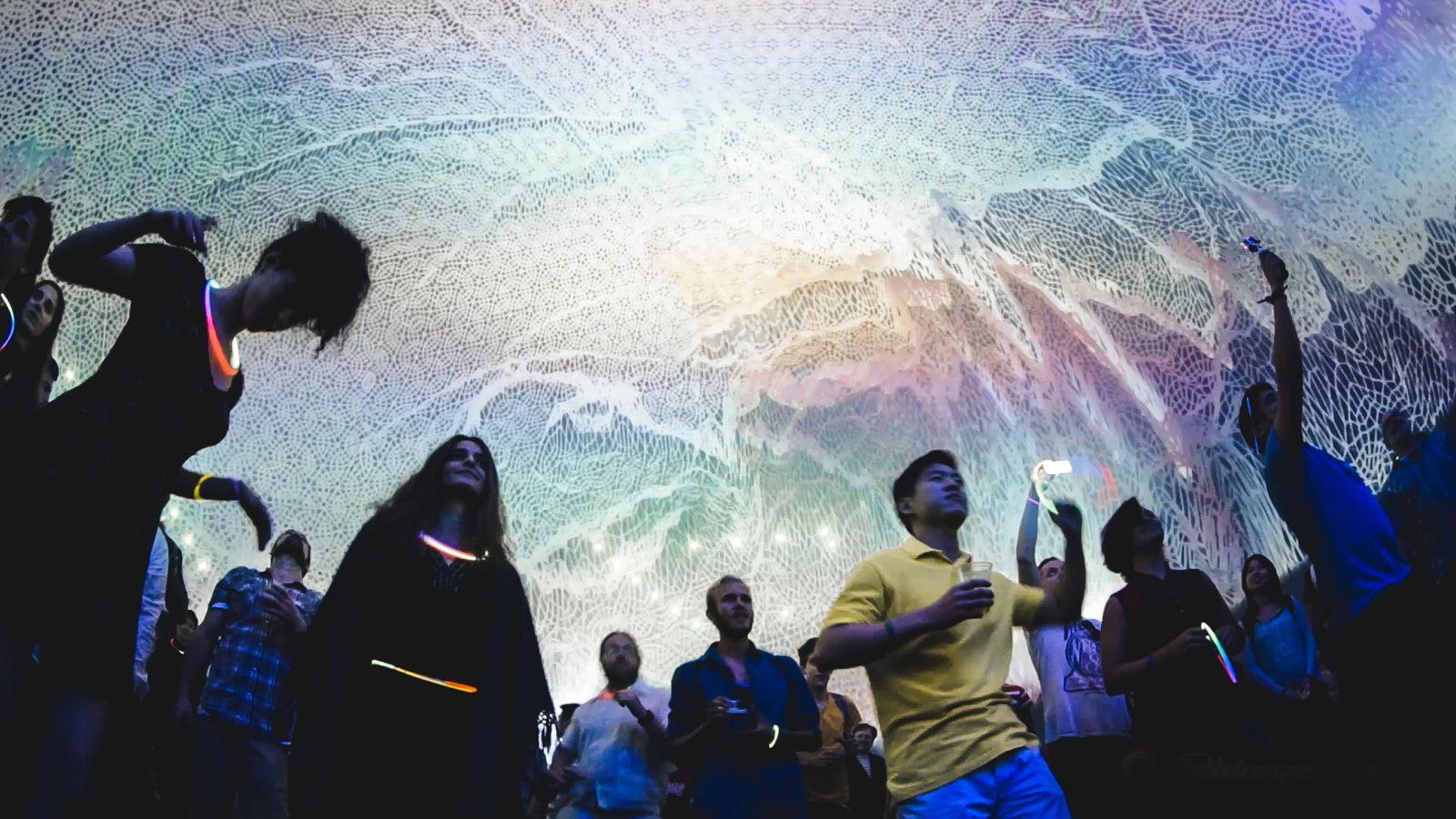 Открытие сферического мультимедиа-зала «АтмаСфера 360» и уличный фестиваль иммерсивного искусства в «Зелёном театре» Стаса Намина фото 2