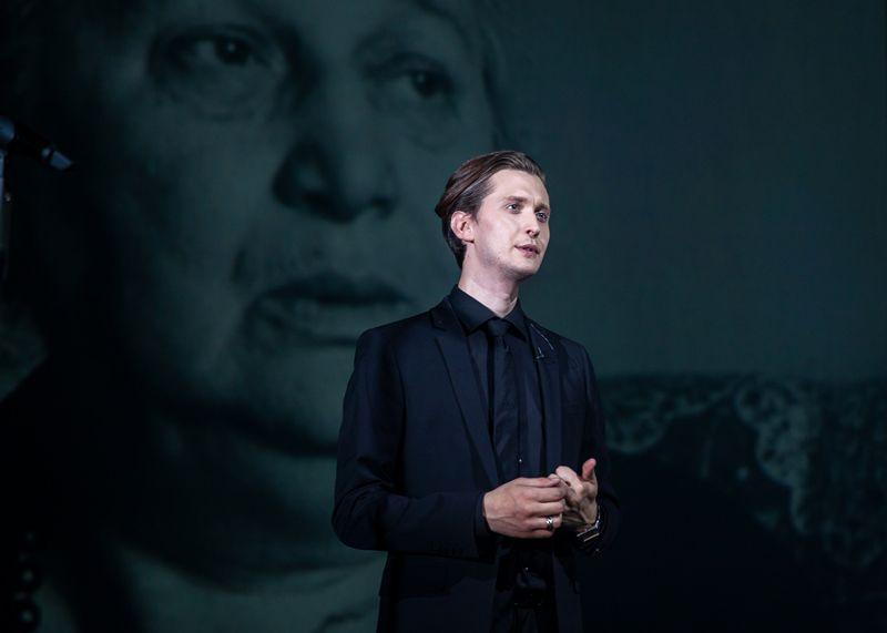 Спектакль «Наше всё… Ахматова. Свидетель» в Театре Наций фото 4