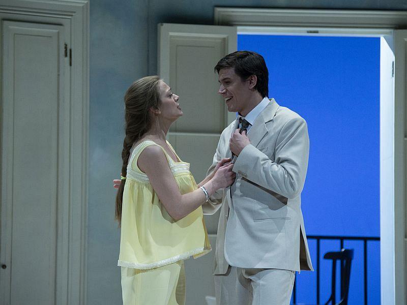 Спектакль «Суббота, воскресенье, понедельник» в Театре имени Евг. Вахтангова фото 7
