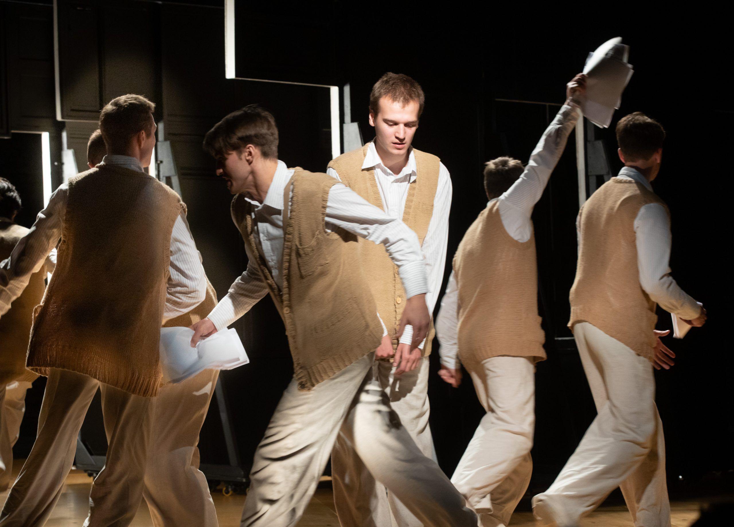 Спектакль «Старуха» в театре «Студия театрального искусства» фото 5