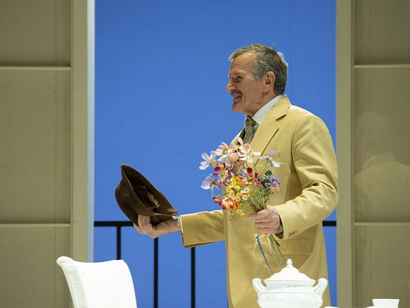 Спектакль «Суббота, воскресенье, понедельник» в Театре имени Евг. Вахтангова фото 3
