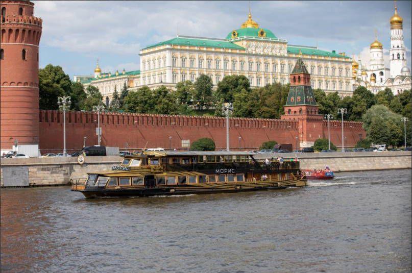 Прогулка по Москве-реке на дизайнерском теплоходе фото 5