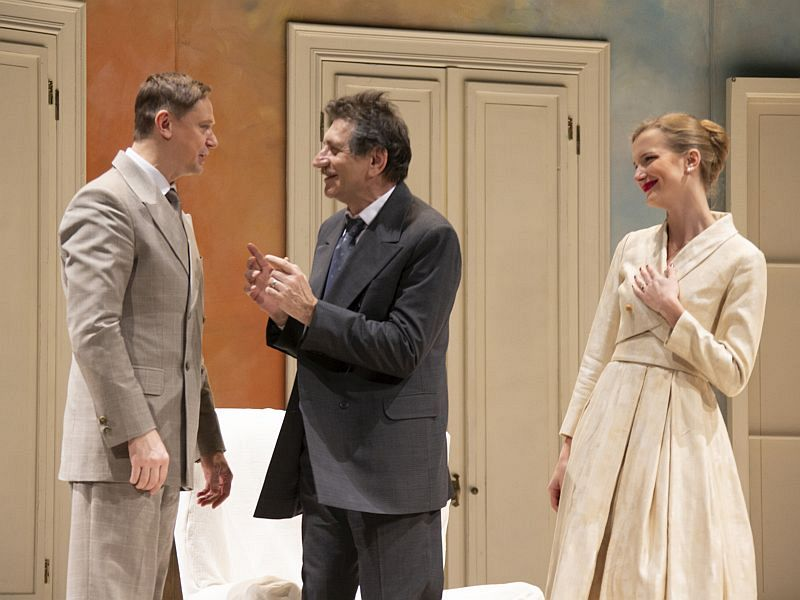 Спектакль «Суббота, воскресенье, понедельник» в Театре имени Евг. Вахтангова фото 8