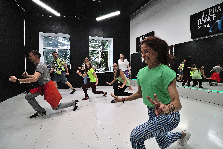 Тренировки по зумбе в студии танца Alpha Dance фото 5