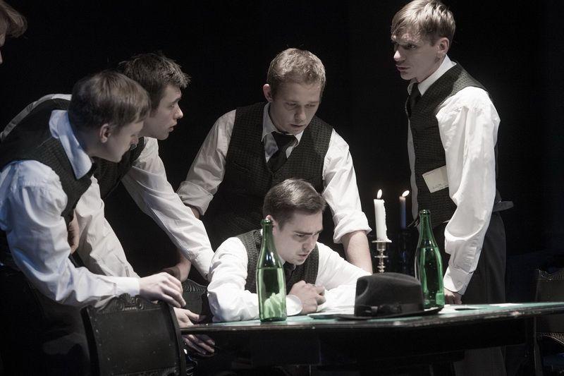 Спектакль «Игроки» по пьесе Н. В. Гоголя в Студии театрального искусства фото 5