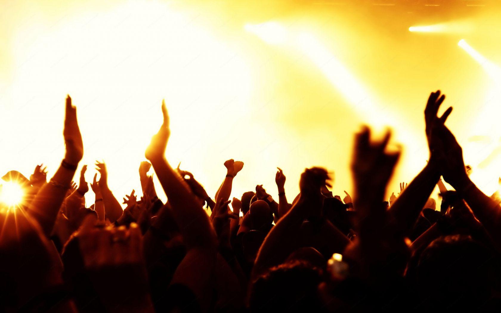 рок музыка в исполнении оркестра слушать