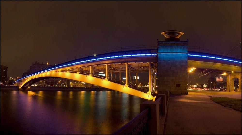Светомузыкальные шоу на Смоленском мосту фото 2