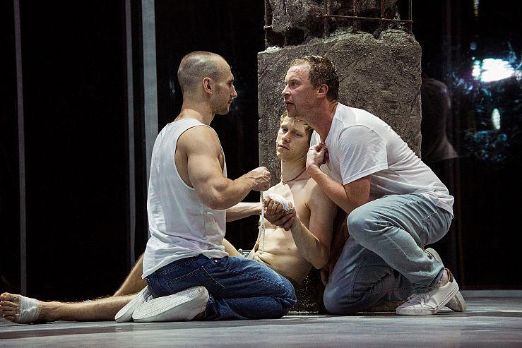 Спектакль «Пролетая над гнездом кукушки» в Театре имени Ермоловой фото 4