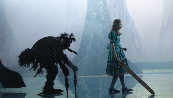 Спектакль «Алиса в Зазеркалье» в Театре «Мастерская П. Н. Фоменко» фото 4