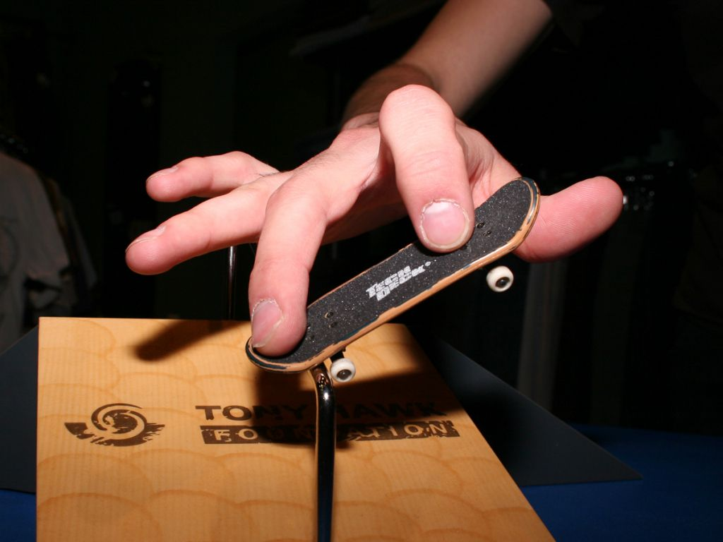 Как сделать своими руками скейт маленький 1
