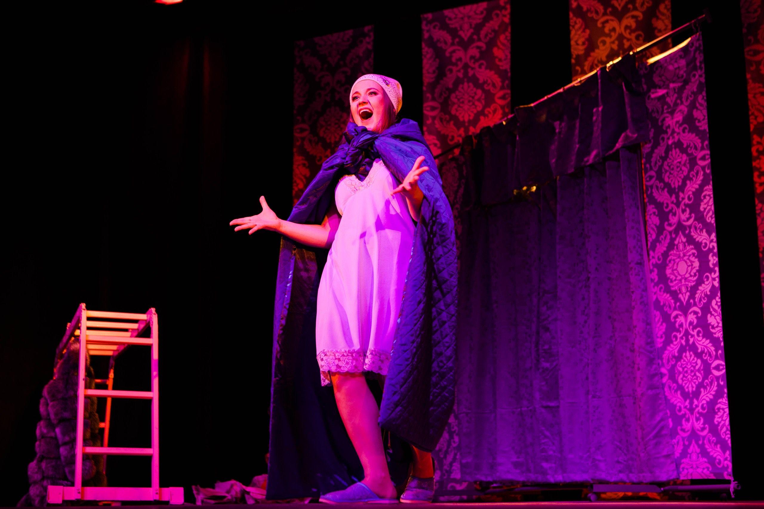 Спектакль «Пила вино и хохотала. Белое» в постановке «Театра двух» (Санкт-Петербург) фото 3