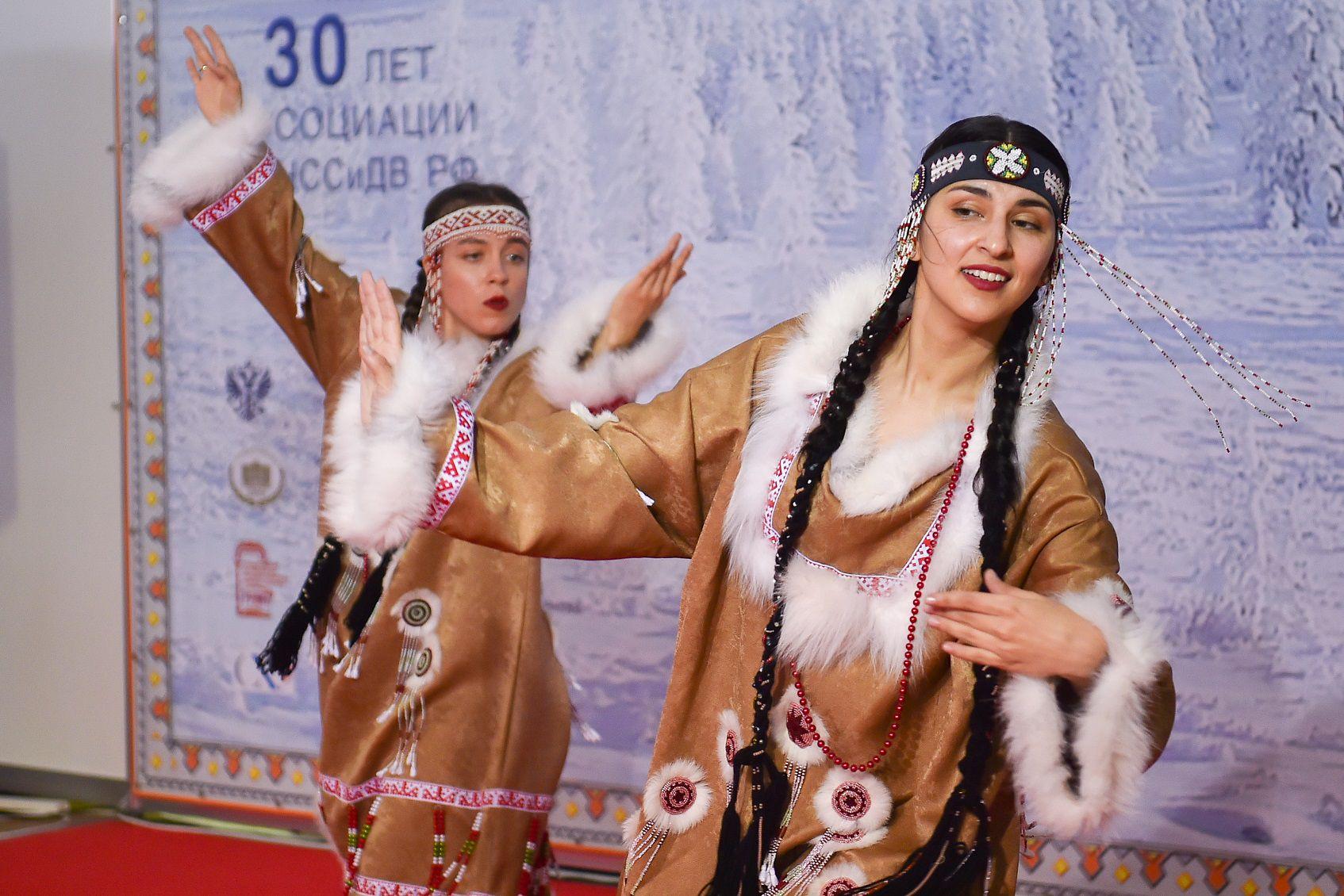 Выставка-ярмарка «Сокровища Севера. Мастера и художники России 2021» фото 14