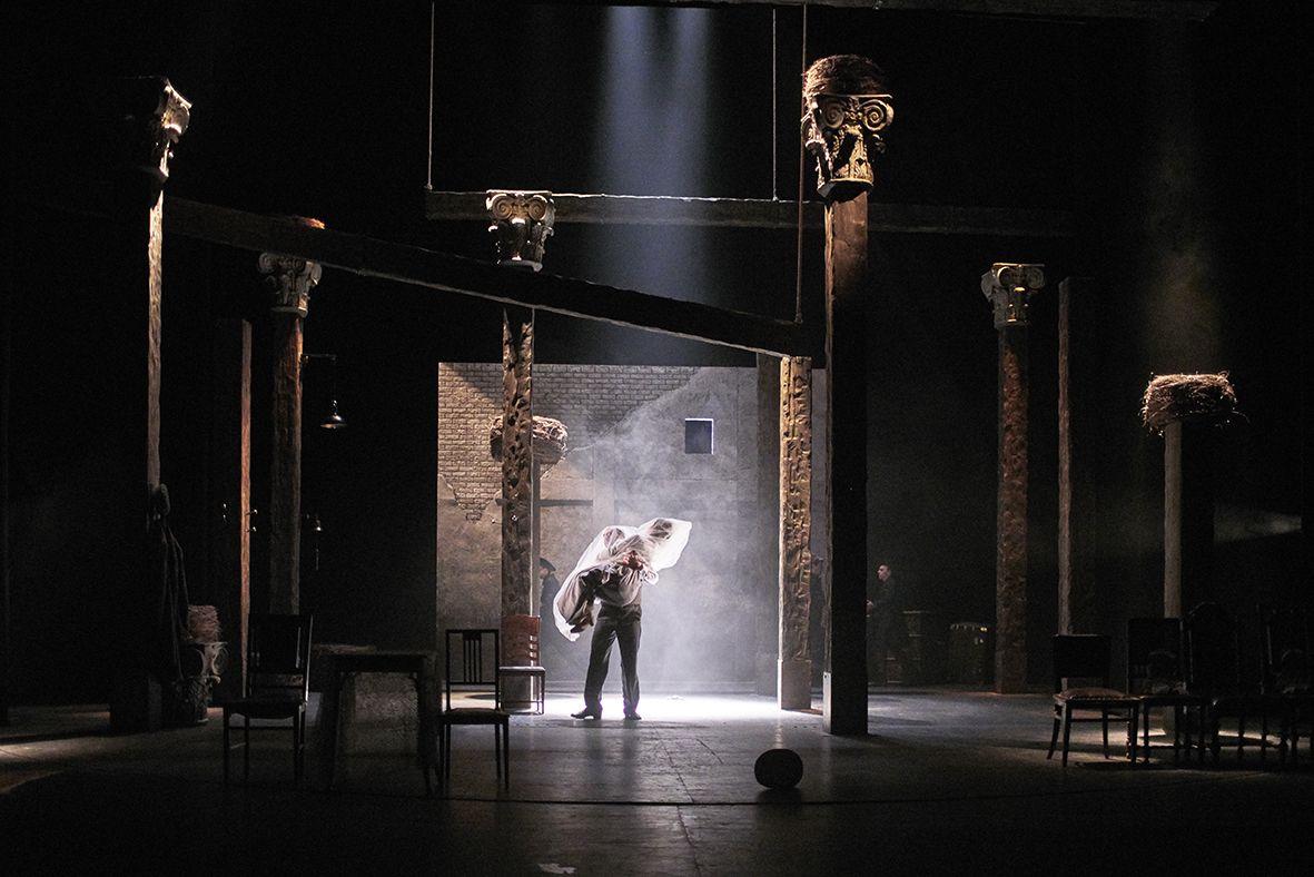 Спектакль «Бешеные деньги» в Театре им. Маяковского фото 5