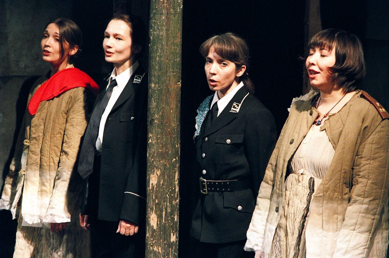 Спектакль «Предпоследний концерт Алисы в стране чудес» в Театре «Около дома Станиславского» фото 2