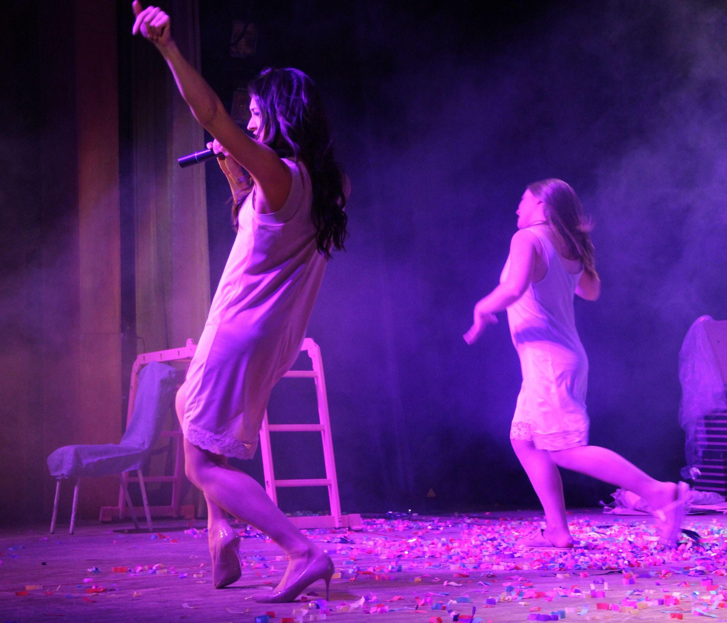 Спектакль «Пила вино и хохотала. Белое» в постановке «Театра двух» (Санкт-Петербург) фото 8